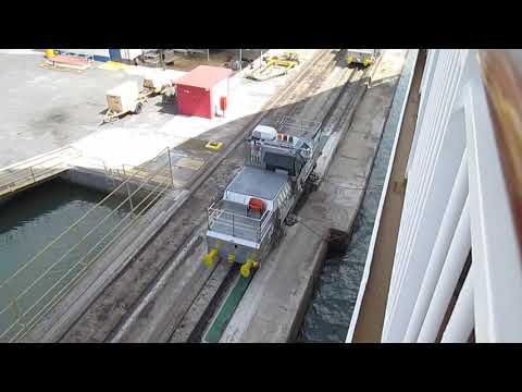 Cable snapping on Panama Canal