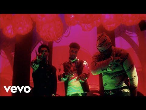 Смотреть клип Dj Kay Slay - Hocus Pocus Ft. Blueface, Moneybagg Yo, A Boogie Wit Da Hoodie