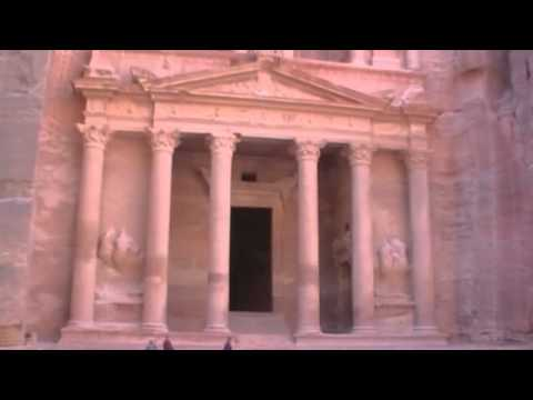 Travel Guide to Jordan: The Ancient Ruins of Petra