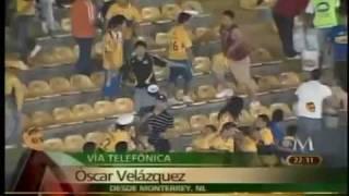 Bronca campal  en el estadio universitario de monterrey al terminar partido tigres vs toluca..