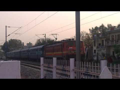 22925 Paschim Express