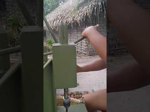 Embrapa Cocais - Ferramenta Individual para Quebra de Coco Babaçu - 16out2019 - Testando