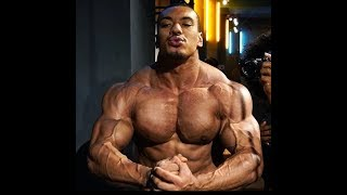 405x20 BENCH! Larrywheels 2 weeks out from my first bodybuilding show ft BTC