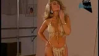 Repeat youtube video Felicia Mercado en Bikini