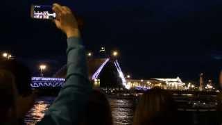 The bridges in St. Petersburg / Развод мостов в Санкт-Петербурге