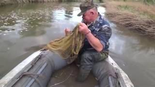 Рыбалка Кастинговой сетью на ЗАБРОШЕННОМ канале. Спасли собаку