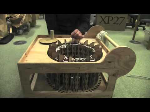 Knitting machine for vinyl rope