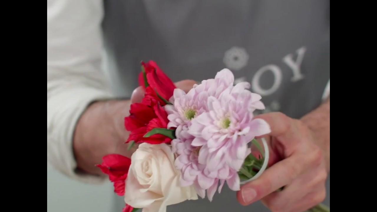 How to create five mini flower arrangements from one bouquet youtube how to create five mini flower arrangements from one bouquet izmirmasajfo