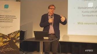 """2  Markku Ollikainen, seminaarissa """"Elonkirjo ehtyy, ilmasto muuttuu"""""""