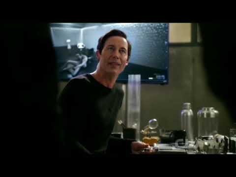 The Flash 5x08 | Eobard Makes Fun Of Savitars Face