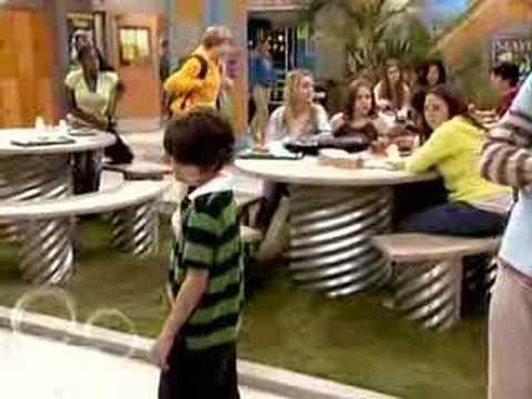 Rico kisses Hannah - Disney's Hannah Montana