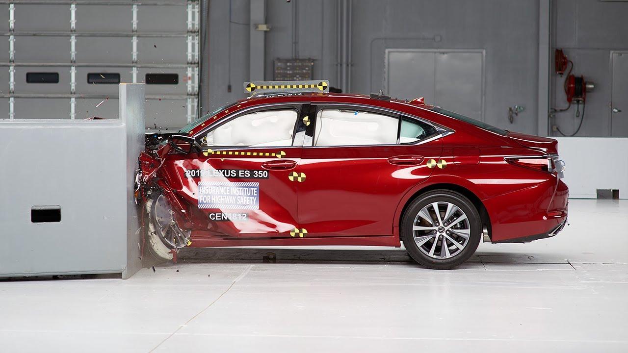 2019 lexus es 350 driver-side small overlap iihs crash test