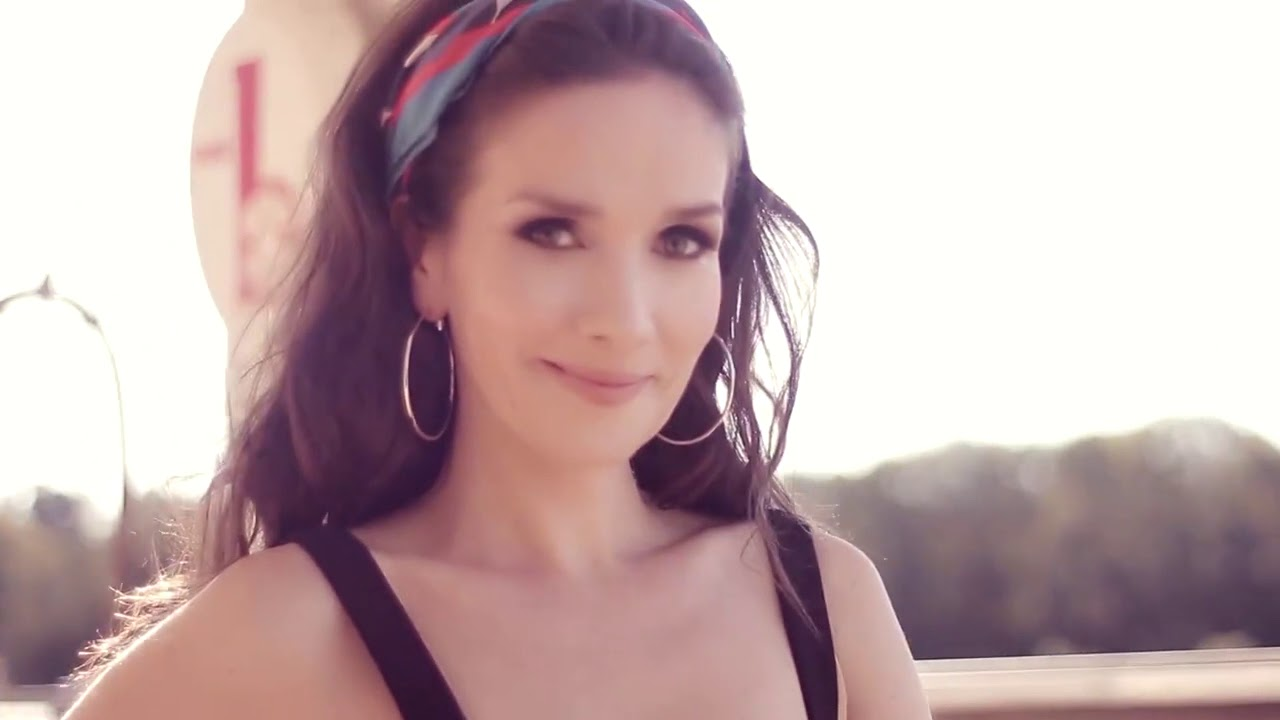 Natalia Oreiro - Lady Stork spring-summer 2017/2018 - YouTube