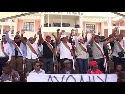 Tensions à Madagascar, l'opposition demandent la destitution du président