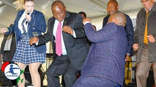Baixar South Africa President Epic Fail Attempting Famous Vosho Dance