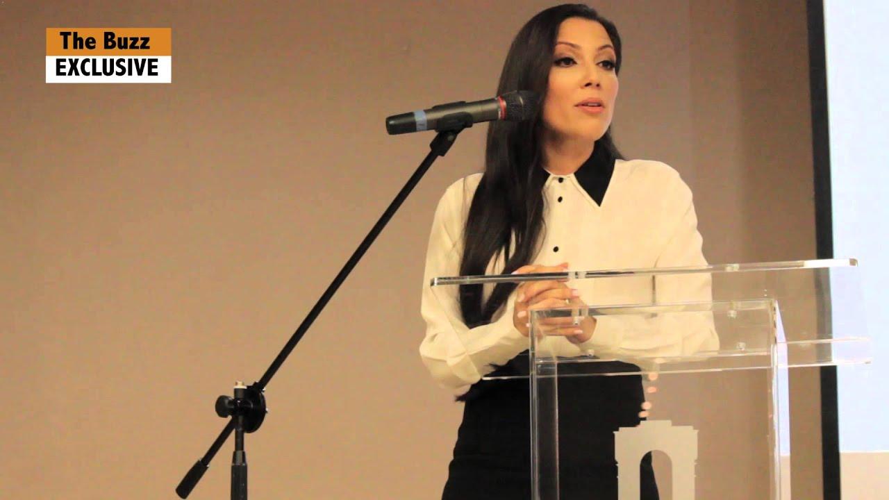 primera conferencia de prensa alexandra lugaro youtube