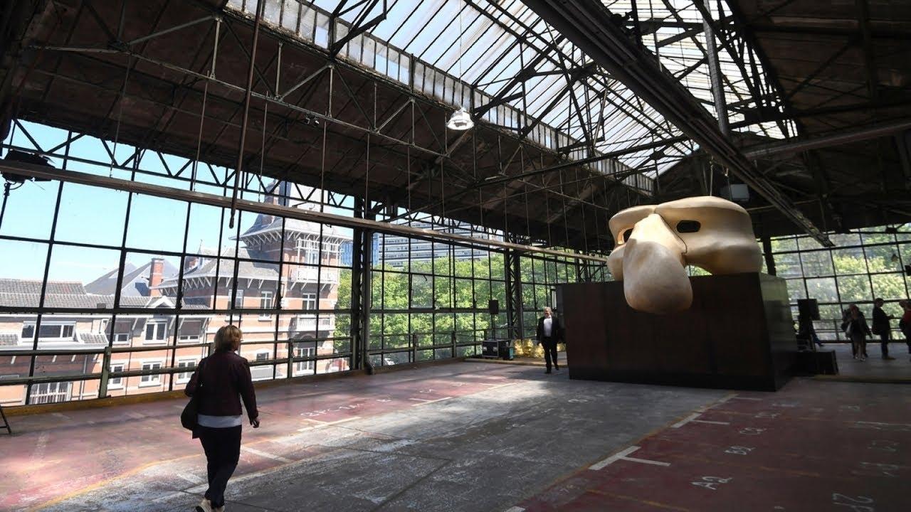 Le kanal centre pompidou s 39 installe bruxelles dans un for Garage citroen chelles les coudreaux