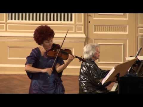 Konzert in St. Petersburg. Mira Raiz (Klavier) und Henryka Tronek (Violine)
