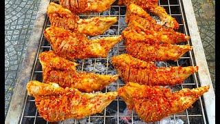 Điều gì khiến quán vỉa hè ngày bán hơn 200 cặp má heo nướng muối ớt nhưng vẫn cháy hàng