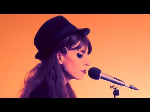 THE KICK INSIDE - Kate Bush Tribute - 'Wuthering Heights' 'Wow' & teasers - Live in the Warm Room