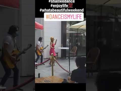 Latin dance , toulouse cafe