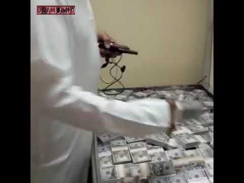 Арабский Шейх хвастается своими деньгами...