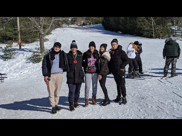 Fellowship Students Go On a Ski Trip And Shabbaton
