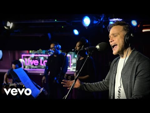 Olly Murs - Kiss Me in the Live Lounge