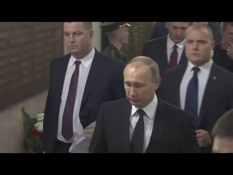 Putin pays tribute to murdered Russian ambassador
