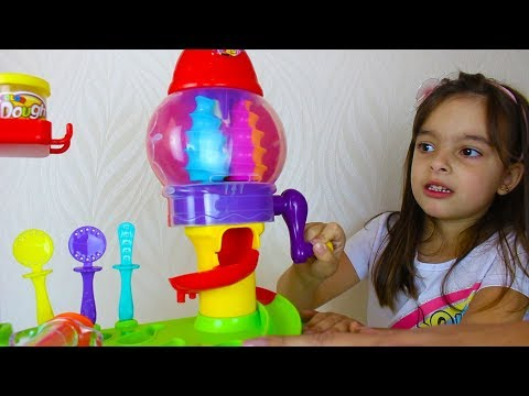 FABRICA DE DOCE LAURA PRETEND PLAY WITH CANDY SHOP, FUNNY KIDS VIDEOS WITH TOYS BY CLUBINHO DA LAURA