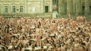 Video Nackt posieren für Spencer Tunick download MP3, 3GP, MP4, WEBM, AVI, FLV Juni 2017