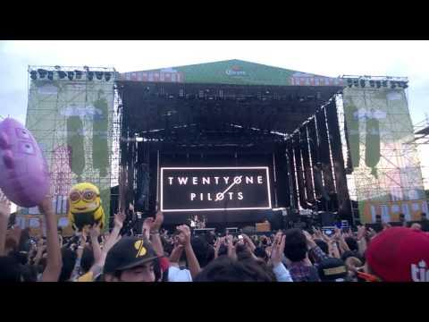 [ 22 - Nov - 2015 ] Twenty One Pilots - Holding On To You♪ en el Corona Capital (México)