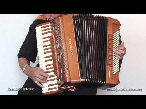 Scandalli model Intense accordion demonstration