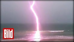 Blitz in Zeitlupe - Lightning in Slow Motion - Natur in Zeitlupe (Donner / Unwetter / Slowmotion)