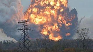 Взрыв в Балаклее горят склады пожар на складах в Балаклее