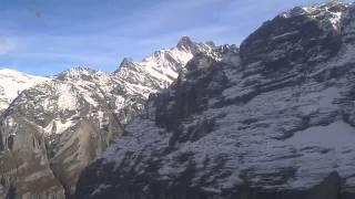 Sobrevolando los Alpes Suizos en Helicóptero