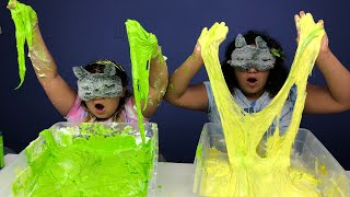 MAKING FLUFFY SLIME BLINDFOLDED