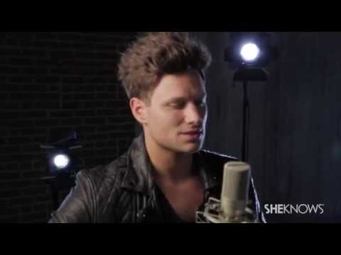Jamie Scott Performs Intimate & Acoustic 'Unbreakable' - SheKnows Celebrities