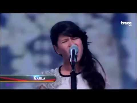 nina-de-12-anos-sorprende-cantando-chandelier-de-sia-cover