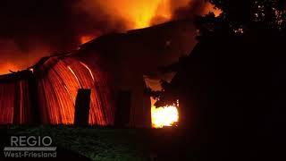 Grote brand in bedrijfspand in Grootebroek zorgt voor veel rook