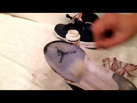 How to clean the bottom soles of your shoes!!