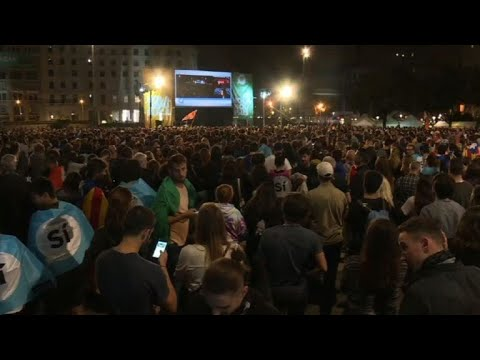 Catalan referendum: Independentists hold rally in Barcelona