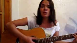 Классно играет на гитаре и поёт  Мария В  песня ,,Будем любить