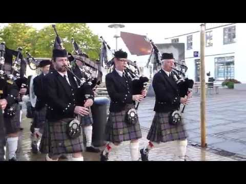 """The Brown haired Maiden & The High road to Gairloch"" - Sønderborg Pipes and Drums"