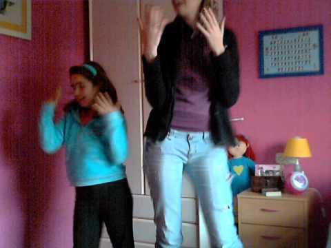 Con mi pequeñaja bailando el nosa nosa :)