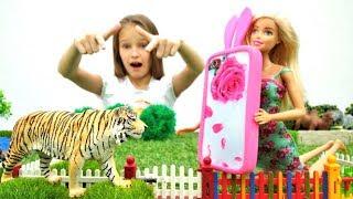 Барби стала блогером! Видео для девочек