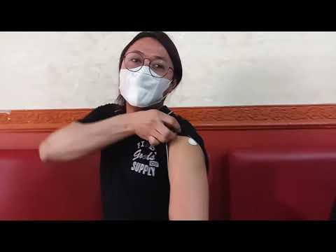 Siapkan Tisu...! Inilah Reaksinya Ketika Waria Di Vaksin..?