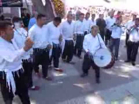 Fo re zm r danse traditionnelle turque youtube for Maison traditionnelle turque