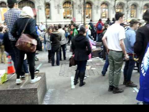 Another sidewalk arrest ows zuccotti park
