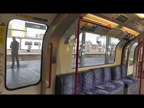 Full Journey On The Central Line From Ealing Broadway to Woodford Via Hainault